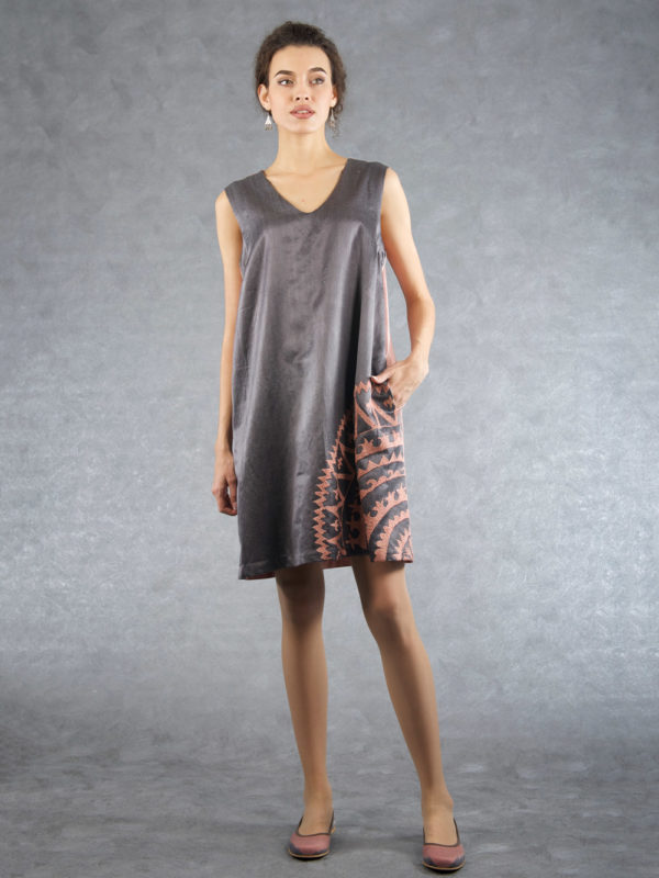 Embroidered V-Neck Dress Grey Pink