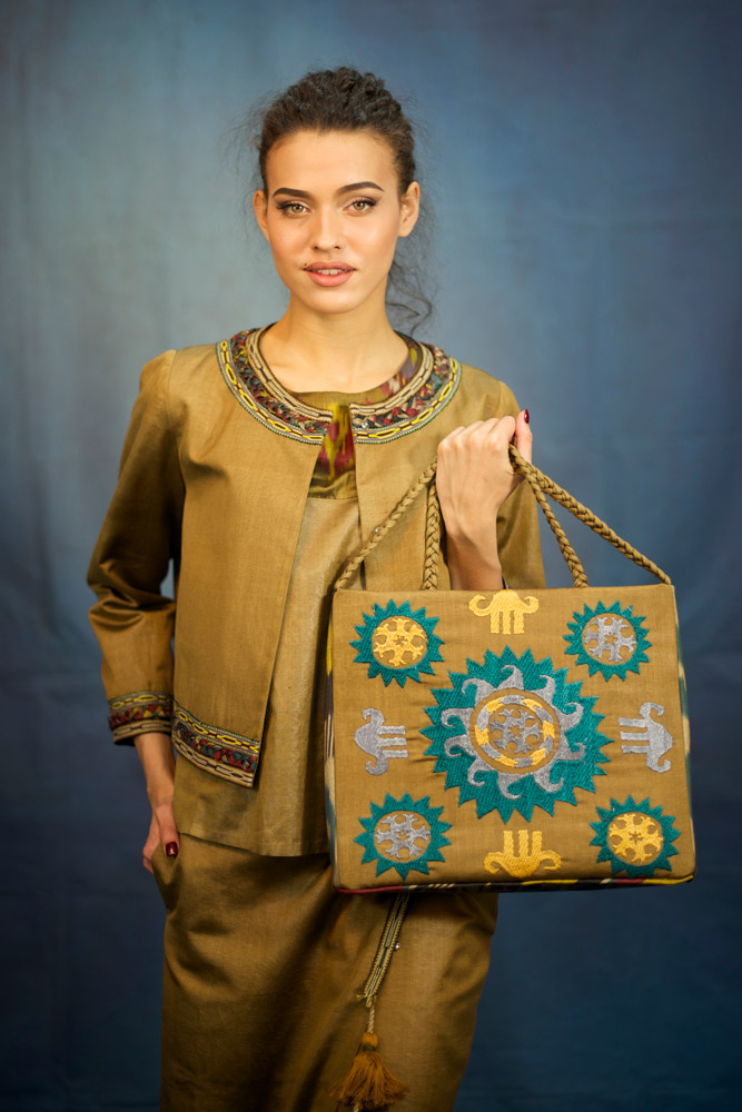 Embroidered Braided Bag IK021