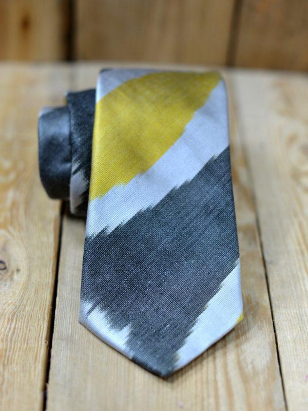 Men's ikat tie
